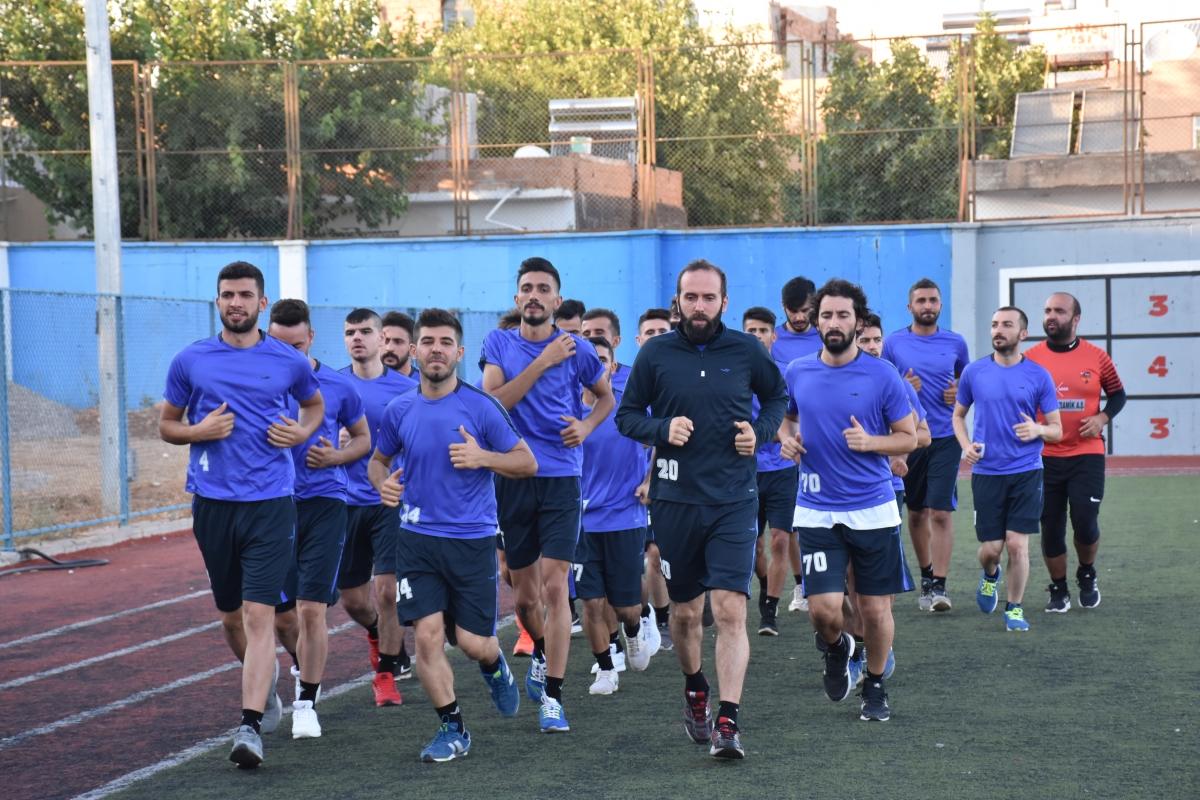 Kahta Diriliş Spor Yeni Sezon Hazırlıklarına Başladı