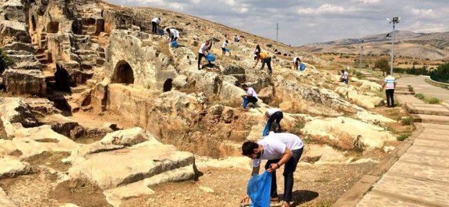 AK Partili Gençlerden, Ören Yerinde Temizlik
