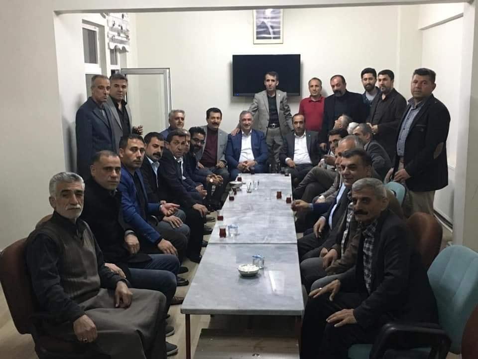 Başkan Turanlı, Kahta'daki Muhtarlarla Bir Araya geldi.
