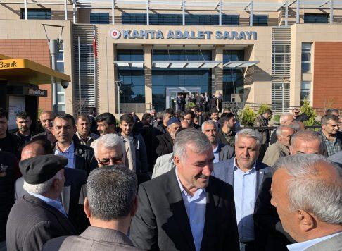 Kahta Belediye Başkanı Yusuf Turanlı Mazbatasını aldı.