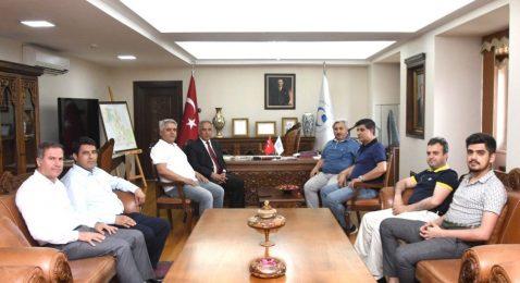 Kahta Gazeteciler Cemiyetinden Rektör Turgut'a ziyaret.