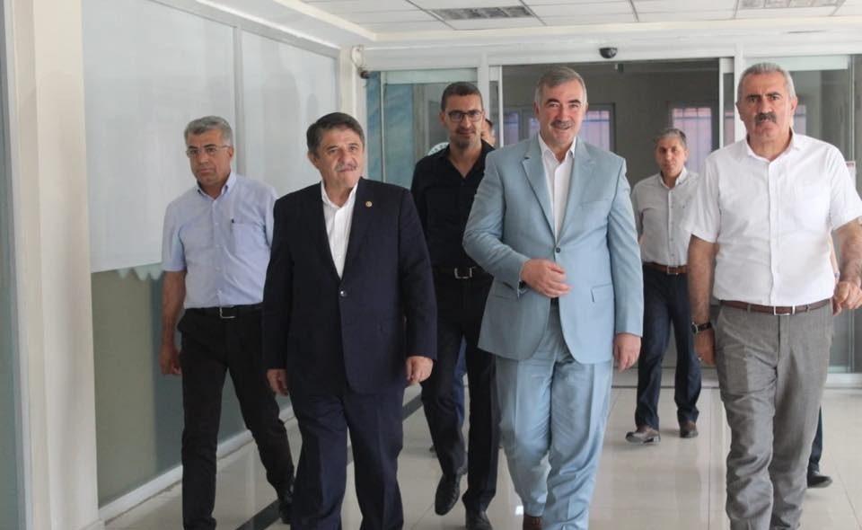 Hizmet-İş Sendikası Kurucu Onursal Genel Başkanı Tanrıverdi Kahta Belediyesini ziyaret etti
