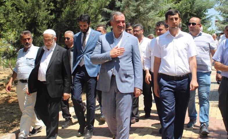 Karamollaoğlu'dan Kahta Belediye Başkanı Turanlı'ya Hayırlı Olsun ziyareti.