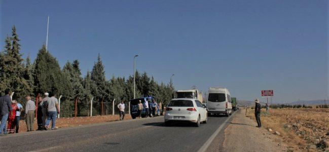 Kahta'da Yolcu Minibüsü İle Otomobil Çarpıştı: 12 Yaralı