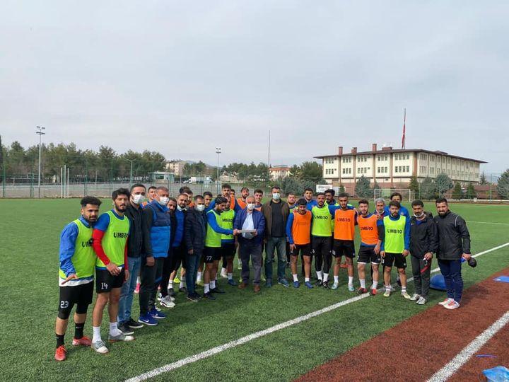 Adıyaman Üniversitesi Rektöründen Kahta 02 Spor'a Ziyaret