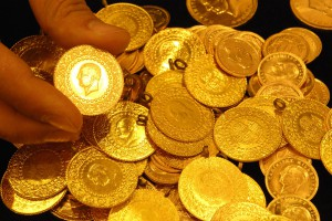 Altın yatırımcısı şimdi ne yapmalı?
