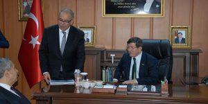 Başbakan Adıyaman Belediye Başkanı F. Hüsrev Kutlu'ya Hayırlı Olsun Ziyaretinde Bulundu