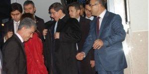 Başbakan Davutoğlu Grup Bşk.Vekili Aydın'ın Evinde Taziyede Bulundu